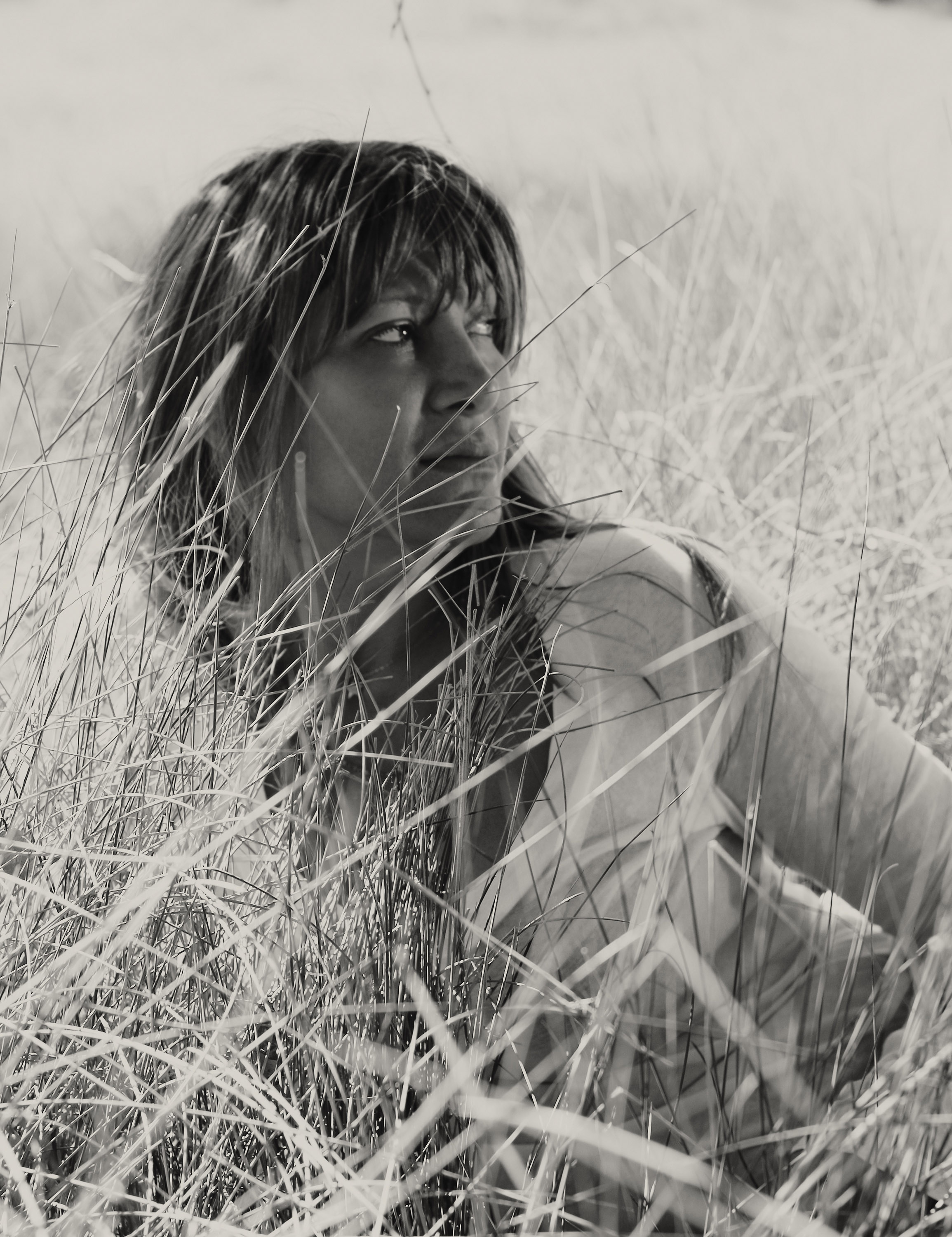 shari-grass.blackwhite_web
